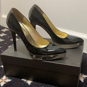 Gucci Black Pumps gold inside with silver bottoms